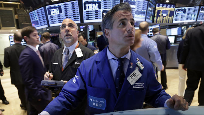 US stocks fall as earnings disappoint