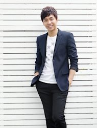 [Photo] Lee Seung-gi 'Smile of a Prince'