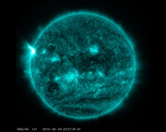 Sun Unleashes Most Powerful Solar Flare of 2015 (Video)