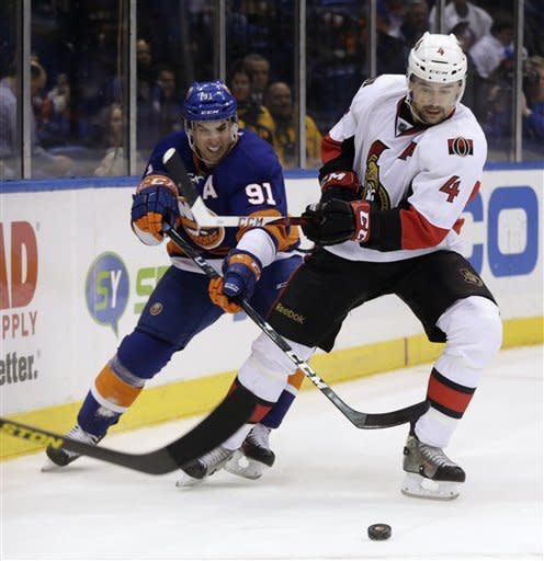 Senators score 4 in 3rd, rally past Islanders