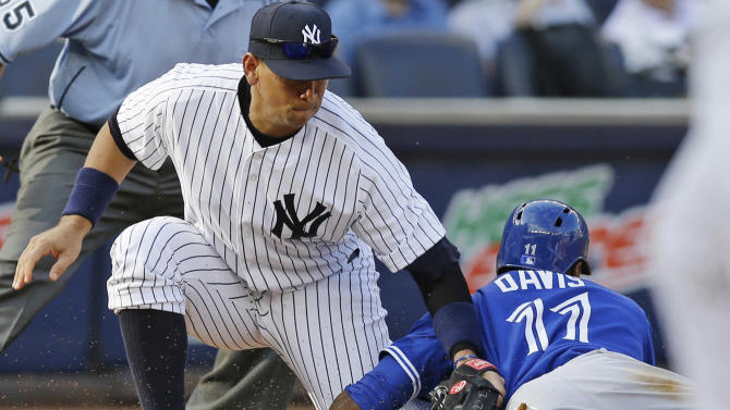 Pettitte pitches surging Yankees past Toronto 5-3