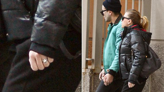ScarJo Not Engaged, Despite Ring