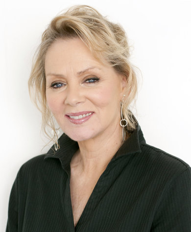 FILE - In this July 27, 2011 file photo, actress Jean Smart poses for a portrait at during The Television Critics Association 2011 Summer Press Tour in Beverly Hills, Calif. Smart will be appearing in the upcoming television movie &quot;William & Catherine: A Royal Romance&quot; on the Hallmark Channel. (AP Photo/Dan Steinberg, file)