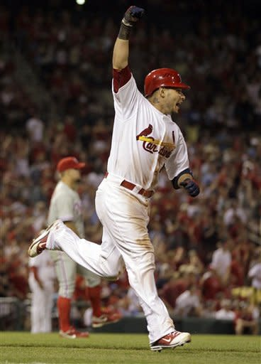 Victorino, Galvis have 3 RBIs, Phillies beat Cards