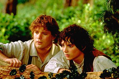 Sean Astin as Samwise and Elijah Wood as Frodo in New Line's The Lord of The Rings: The Fellowship of The Ring