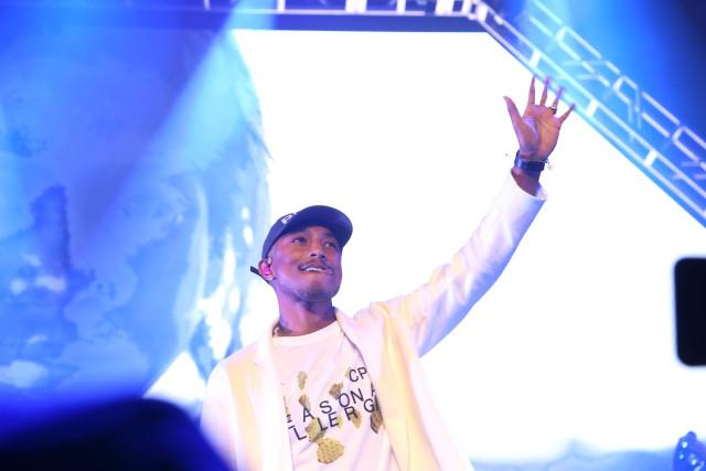 Super Bowl 50: Pharrell Brought All The Good Vibes To Pepsi Super Friday Night