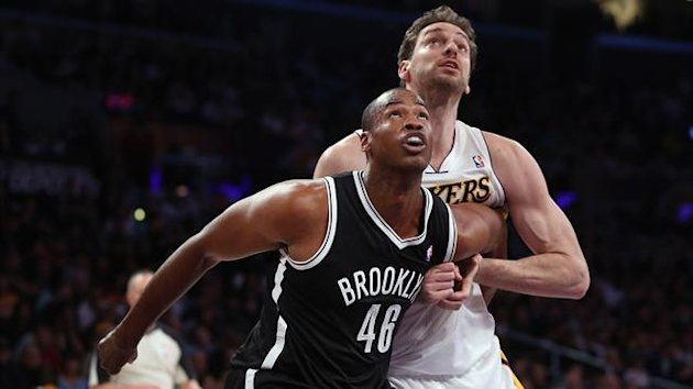 2013-14 NBA, Los Angeles Lakers-Brooklyn Nets, Jason Collins, Pau Gasol (AFP)