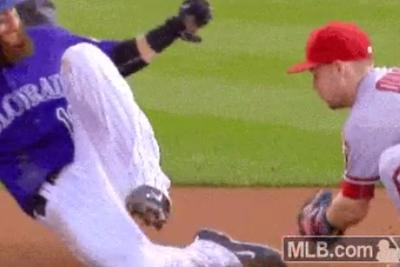 MLB player eludes tag sliding into 2nd with magic