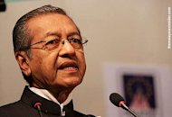 Dr M questions BN strategists, says Umno to decide Najibs fate
