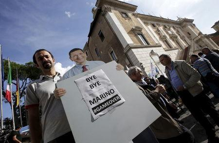 Mayor of Rome resigns over expenses scandal