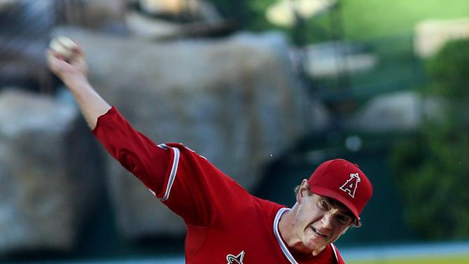 Cron's ML debut a smash hit as Angels beat Rangers