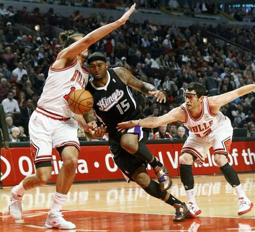 Noah leads Bulls past Kings, 93-87