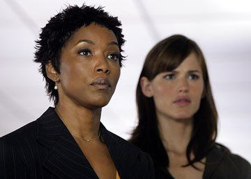 Angela Bassett and Jennifer Garner