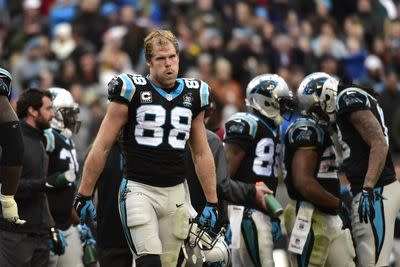 NFL free agency news: Greg Olsen signs extension, Jerome Simpson joins 49ers and more