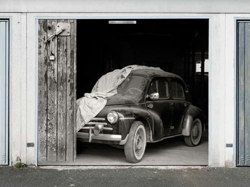 Ultra-realistic garage doors