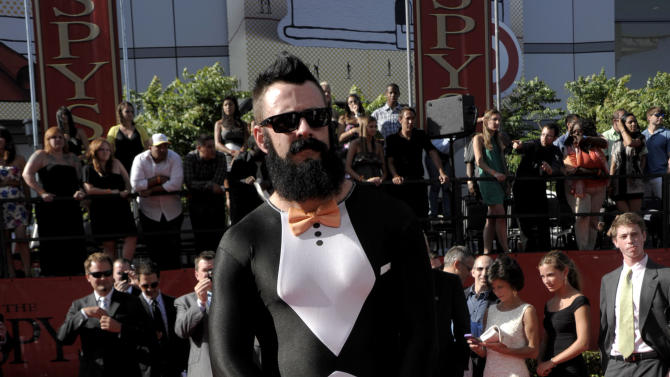 San Francisco Giants pitcher Brian Wilson arrives at the ESPY awards on Wednesday, July 13, 2011, in Los Angeles. (AP Photo/Dan Steinberg)