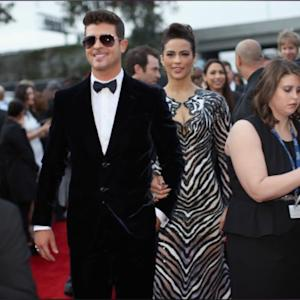 Robin Thicke Pleads With Paul Patton During Concert