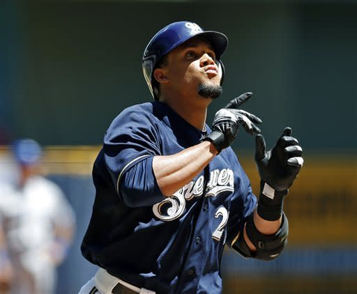 Brewers bash 4 homers in 8-3 win over Blue Jays