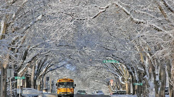 Winter clings on with Upper Midwest snowstorm