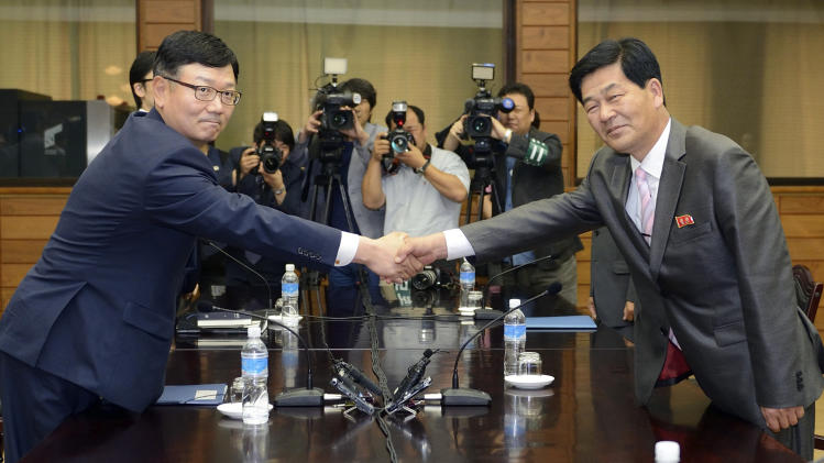 Koreas hope to reopen stalled joint factory park