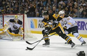 Penguins clinch playoff berth with 2-0 win over Sa …