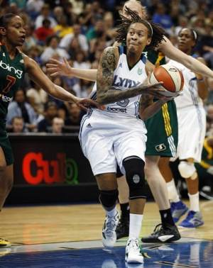 Lynx stay unbeaten against Storm