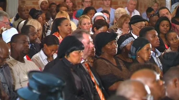 South Africans remember Mandela with praise and prayers