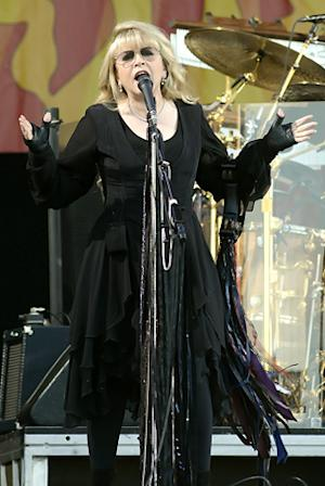 Fleetwood Mac Top Soggy Second Week of New Orleans Jazz Fest