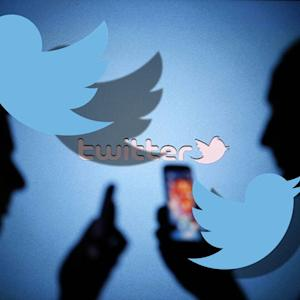 Twitter rolls out group DM and native video