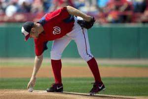 Nats' Strasburg takes liner off left hand