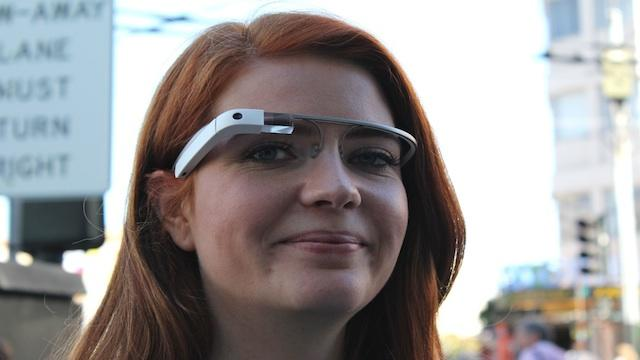 Google Glass Explorer Edition to Ship This Month