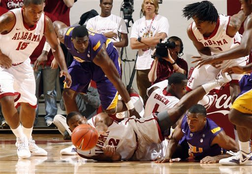 Releford, Alabama cruise past LSU 69-53