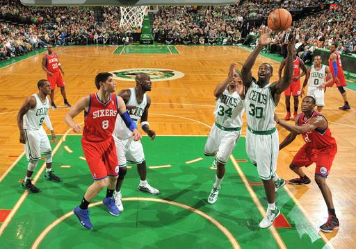 Garnett and Rondo carry Celtics over 76ers 103-79