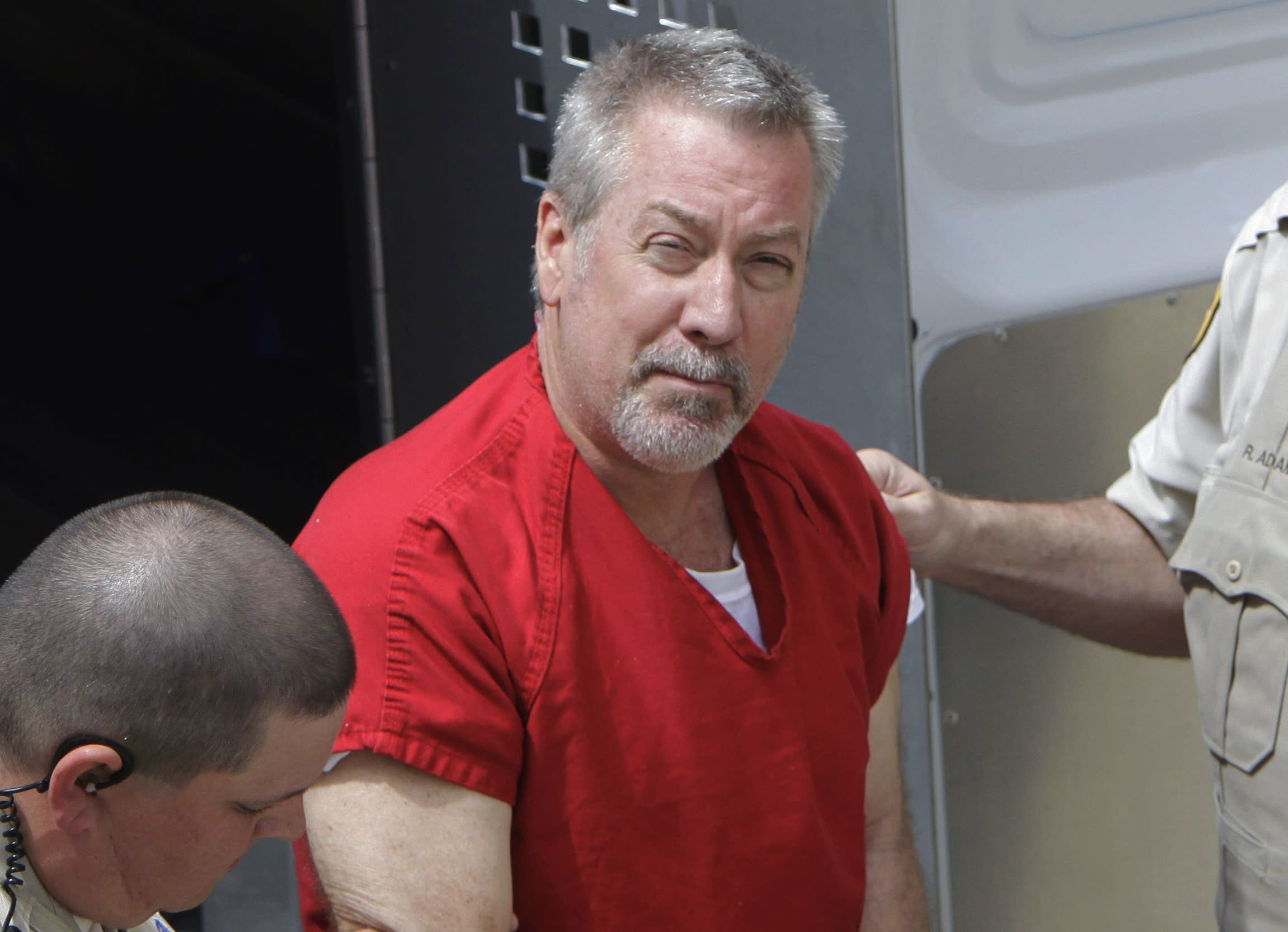 Drew Peterson pleads not guilty in murder-for-hire plot