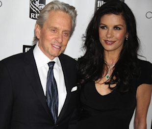 Catherine Zeta-Jones e Michael Douglas ai Chaplin Awards