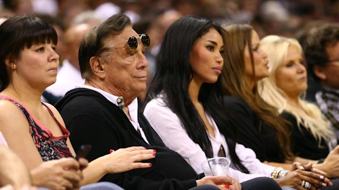 Judge OKs record-setting $2B sale of Clippers