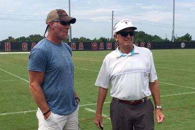 Brett Favre shows up at South Carolina practice