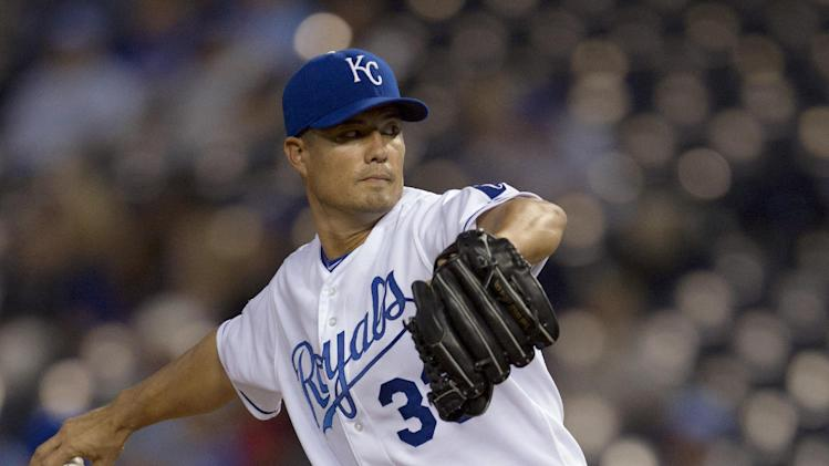 Kansas City Royals starting pitcher Jeremy Guthrie works against a Detroit Tigers batter during the first inning of a baseball game at Kauffman Stadium in Kansas City, Mo., Tuesday, Oct. 2, 2012. (AP Photo/Orlin Wagner)