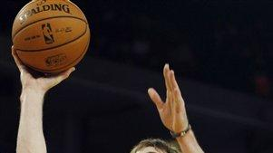 Lee helps Warriors hold off Jazz