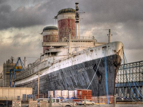 Deadline Looms for Historic Ocean Liner's Move to Brooklyn