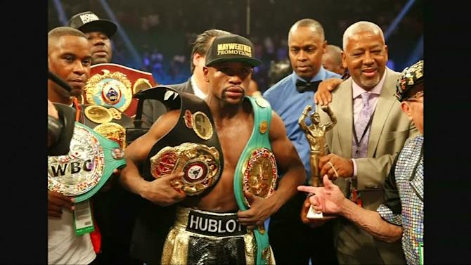 Mayweather named winner in highly anticipated boxing match