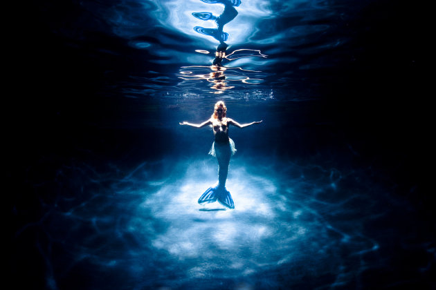 Real Sea Mermaids http://gma.yahoo.com/photos/under-the-sea-with-real-life-mermaid-hannah-fraser-slideshow/mermaid-photo-1337300258.html