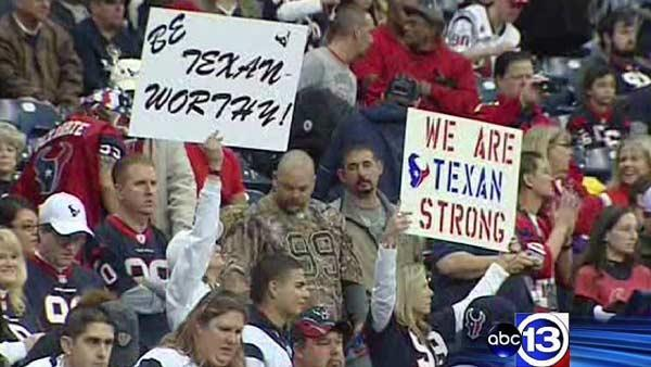 Texans fans crowd Reliant for playoff game