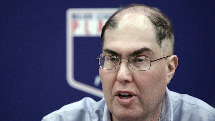 MLB players' union head Michael Weiner dies at 51