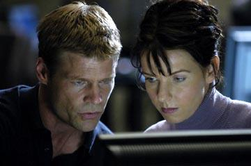 "Joel Gretsch and Jacqueline McKenzie USA's ""The 4400"" 4400"
