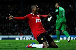 Ashley Young: Van Persie is a world-class striker