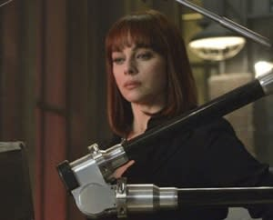Exclusive Nikita First Look: [Spoiler] Pays a Visit to Amanda's Brain-Warping Chair