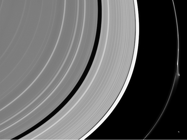 What Is Saturn Rings Made Of Yahoo