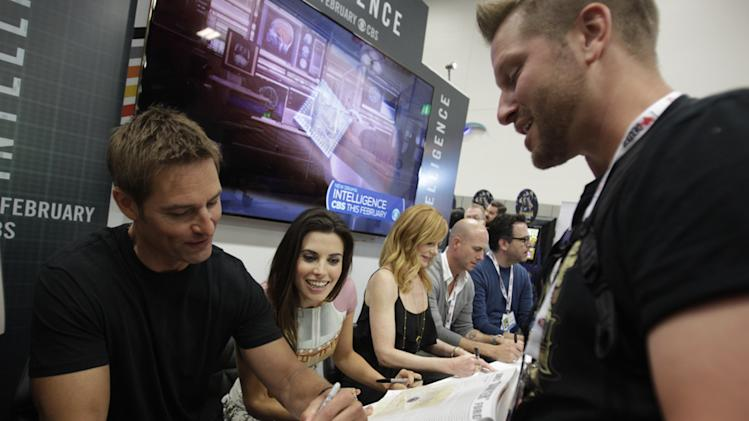"""Intelligence"" 2013 Comic-Con panel and the booth signing"