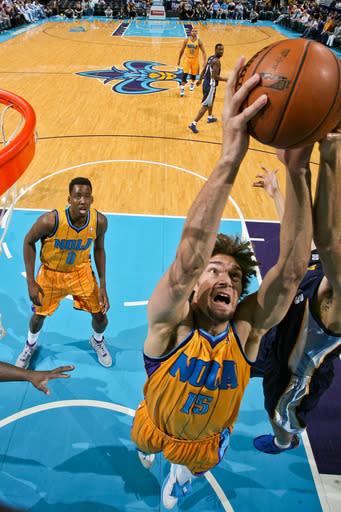 Lopez, Davis lead Hornets past Grizzlies, 90-83